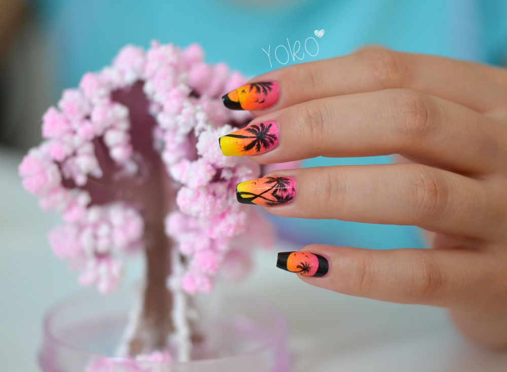 http://a398.idata.over-blog.com/3/65/11/92/A-Nail-Art-31/NailArtDetail-MiamiBeach-2.jpg